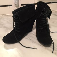 """Steve Madden Luxe hidden wedge suede booties extremely comfortable, cute little booties with a folded top, lace -up, and hidden 3.5"""" wedge. black suede. in fantastic pre-loved condition. Steve Madden Shoes Wedges"""
