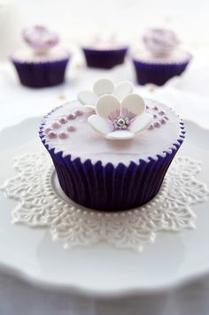 Lilac Pearls Cupcakes