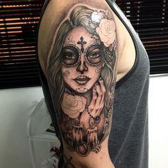 Explicamos el significado de los Tatuajes de Catrinas o Calaveras mexicanas, y te mostramos más Tatuajes. Todo lo que quieres saber sobre Catrina Tattoo.