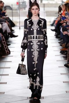 My Wednesday, :)   Tory Burch Fall 2017 Ready-to-Wear Collection Photos - Vogue