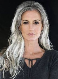 Billedresultat for beautiful older women with long grey hair