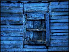 Blaue Stunde - Holzverschlag