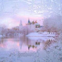 KREMLIN   BY  VLADIMIR ROLOV