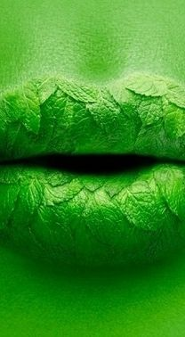 Green #makeup, #lips, https://facebook.com/apps/application.php?id=106186096099420