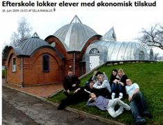 Holmstrup Efterskole tried to blackmail the students by promising a trip to Cuba if they didn't drop out. It didn't work. The school later closed and today the buildings house a group home. Boarding Schools, Group Home, Cuba Travel, Denmark, Gazebo, Buildings, Students, Outdoor Structures, Drop