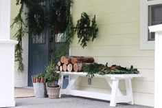 Outdoor Minimal Christmas Decor with Scandinavian touches - karin u living Minimal Christmas, Garden Shop, Outdoor Christmas Decorations, Christmas Music, Fresh Green, Porch Swing, Scandinavian Style, Wicker Baskets, Farmhouse Style