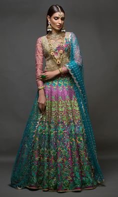 Nomi Ansari Presenting Latest Bridal Wear Collection 2018 Chic And magnificent bridal collection presenting by leading fashion designer of Pakistan Pakistani Wedding Outfits, Pakistani Wedding Dresses, Saree Wedding, Indian Dresses, Indian Outfits, Indian Clothes, Lehenga Collection, Bridal Collection, Dress Collection