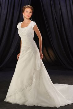 Looking for Atlanta modest bridal? Lorna's Bridal has an excellent selection modest bridal gowns in metro Atlanta. Free gift with bridal appointment. Modest Wedding Gowns, Wedding Dress Organza, Wedding Dress Styles, Modest Dresses, Bridal Dresses, Bridesmaid Dresses, Prom Dresses, Dresses With Sleeves, Short Sleeves