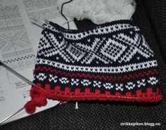 felt Rooster Art, Pot Holders, Knitted Hats, Felt, Blanket, Knitting, Crochet, Felting, Hot Pads