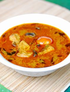 Varutharacha Meen Curry (Fish in Roasted Coconut Gravy)-- she has a great looking oats payasam too