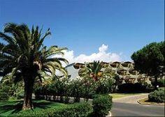 Tanka Village è un resort inserito in un contesto naturalistico d'eccezione.Il complesso del Tanka si estende su una superficie di 43 ettari, distribuita in massima parte su terreno pianeggiante digradante verso il mare, circondato ed immerso nel folto della macchia mediterranea.   Visitate il link: http://www.vacanze.clubviaggi.it/italian/vacanze-dettaglio.php?sEBView=struttura=5603=true