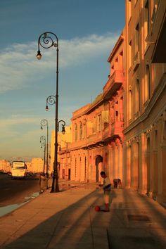 #Malecon #LaHabana #Cuba