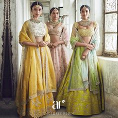 Be that contemporary bride and look resplendent with jewelery that is pure expression of heritage and culture that compliments well with an AR ensemble. Indian Wedding Outfits, Bridal Outfits, Indian Outfits, Indian Clothes, Indian Weddings, Desi Clothes, Wedding Dresses, Lehenga Designs, Indian Attire
