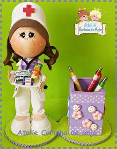 Boneca fofucha feita de EVA.                                                                                                                                                                                 Mais