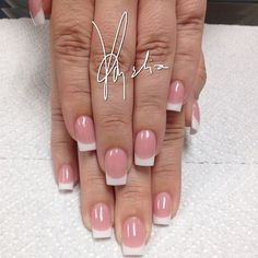 Love this set of Pink and Whites using Tammy Taylor P3 and Whitest White by @acrylicsbyamelia