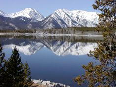 on the way to Aspen, stop here.Twin Lakes CO. Yes the mountains reflection looks like this.and the local Twin Lakes Inn is one of our fave romantic restaurants with delicious food! Twin Lakes Colorado, Road Trip To Colorado, Visit Colorado, Colorado Homes, Colorado Vacations, Some Beautiful Pictures, Beautiful Places, Beautiful Scenery, Beautiful Landscapes