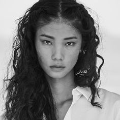 pocmodels:One Wang by Russell James for Angels Book by Russell. Face Reference, Art Reference Poses, Photo Reference, Pretty People, Beautiful People, Beautiful Women, Aesthetic People, Drawing People, Woman Face