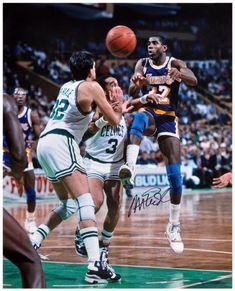 Magic Johnson Los Angeles Lakers Autographed 16 X 20 Vs Boston Celtics Photograph Magic Johnson Magic Johnson Lakers Los Angeles Lakers