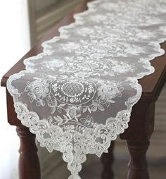 lace table runners wedding