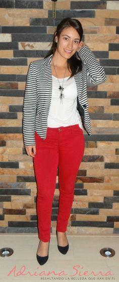 pantalon rojo con blanco