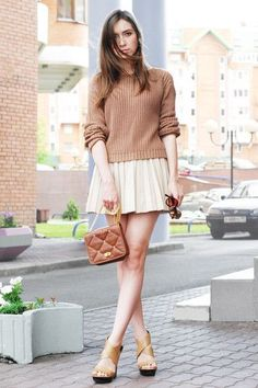 Street style feminine neutral outfit
