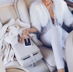 ✨LUXE LIFESTYLE✨ #luxe #lifestyle #chic #luxury #glam #car #lucyluxedesigns