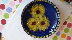 A great sunflower plate painted at a Faux Arts drop-in