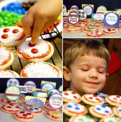 """Teenage Mutant Ninja Turtle (#TMNT) Birthday Party - mini sugar cookie """"pizzas"""""""