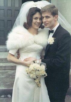 1967 newlyweds Mary Ellen and Jim Vintage Wedding Photos, Vintage Bridal, Wedding Pics, Wedding Bride, Wedding Styles, Wedding Gowns, Vintage Weddings, 1960s Wedding, Vintage Gowns