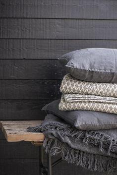 Quilt grey w/anthracite window pattern - Ib Laursen