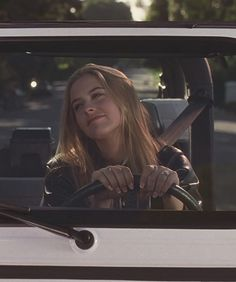 Alicia Silverstone as Cher Horowitz Clueless Aesthetic, Film Aesthetic, Aesthetic Vintage, Aesthetic Photo, Aesthetic Pictures, Clueless 1995, Clueless Fashion, Cher From Clueless, 90s Movies