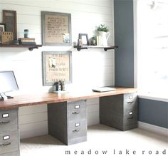 70+ Screets Of Farmhouse Home Office Decor ideas, Happy Worker - When it's at home or within a business setting, the ideal office ambience demands a number of ess - #Decor #Farmhouse #happy #Home #Ideas #office #screets #worker Office Interior Design, Office Interiors, Home Interior, Office Designs, Farmhouse Office, Farmhouse Homes, Farmhouse Decor, Country Office, Industrial Farmhouse