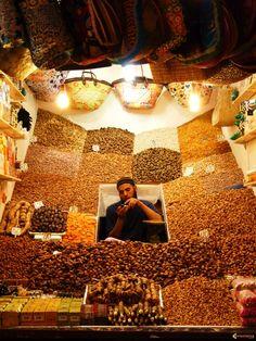 Ne manquez pas le souk de Marrakech, où vous découvrirez de très belles choses. Cette photo en est la preuve et donne envie d'allery faire un tour. #Marrakech #Souk