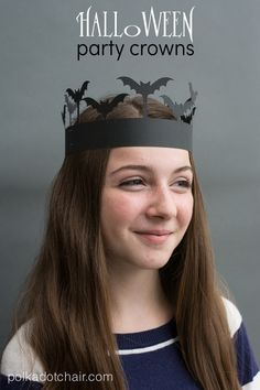 How to Make a Paper Crowns; Halloween Party Ideas & DIY Photo Booth Props Halloween Party Crowns- a fun alternative … Fete Halloween, Halloween Projects, Holidays Halloween, Vintage Halloween, Halloween Stuff, Scary Halloween, Halloween Ideas, Happy Halloween, Halloween Decorations