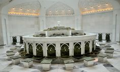 Ablution Room in The Grand Sheikh Zayed Mosque, Abu Dhabi Mosque Architecture, Architecture Plan, Islamic Center, Beautiful Mosques, Prayer Room, Ceiling Design, Sweet Home, Interior Design, Modern