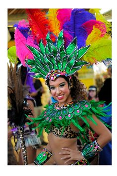 Carnaval 2016. Playa del Carmen, México. Carnival Fashion, Carnival Outfits, Carnival Themes, Costume Carnaval, Samba Costume, Parrot Costume, Brazil Carnival, Trinidad Carnival, Festival Costumes