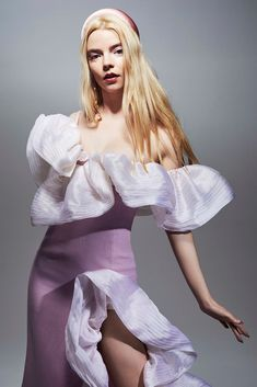 Anya Taylor-Joy is the breakout star of with leading roles in 'Emma' and 'The New Mutants' Anya Joy, Anya Taylor Joy, Model Scout, The New Mutants, Vogue, Matches Fashion, British Actresses, Look Cool, My Girl