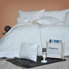 Doprajte si kvalitné a elegantné obliečky vyrobené na Slovensku z luxusného damašku. Sú veľmi príjemné na dotyk a vyznačujú sa neuveriteľne dlhou trvácnosťou a hodvábnym leskom. Vďaka neutrálnej farbe sa hodia k akémukoľvek interiéru. Bed Pillows, Pillow Cases, Furniture, Home Decor, Pillows, Decoration Home, Room Decor, Home Furnishings, Home Interior Design