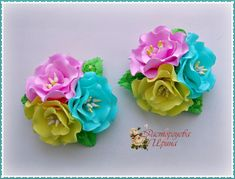 Одноклассники Satin Flowers, Fabric Flowers, Quilling Work, Baby Hair Bands, Kanzashi Flowers, Boutique Hair Bows, Rose Art, Flower Making, Hair Pins