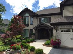 48 single family homes for sale in Willowbrook IL. View pictures of homes, review sales history, and use our detailed filters to find the perfect place. Family Homes, Home And Family, Exterior House Colors, Types Of Houses, Single Family, Perfect Place, Filters, Mansions, History