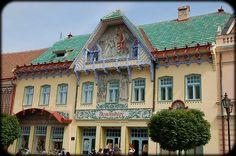 skalica - Hľadať Googlom Mansions, House Styles, Home Decor, Decoration Home, Manor Houses, Room Decor, Villas, Mansion, Home Interior Design
