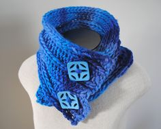 Ros' Surprise Me! Scarf - one way to wear it...made by @Stockannette on Etsy LOVE