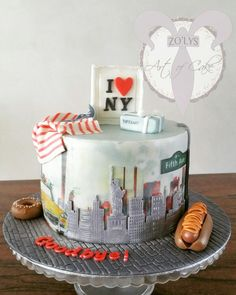 #Artofcake #newyork #nyc #skyline #statueofliberty #yellowcab #5thavenue #hotdog #donuts #unitedstates #abschied #staten #usa #cakedesign #edibleart #cakeartist