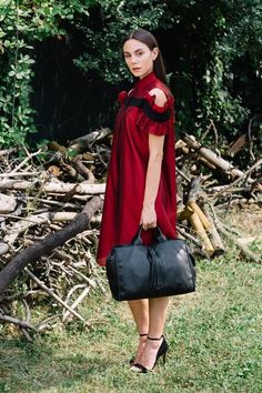Granada is an exclusive collection of Gianni Segatta, Venetian artisan designer who goes beyond the standards and creats unique hand-crafted bags using the fine Del Conte, Simple Lines, Exclusive Collection, Venetian, Artisan, Unique, Inspiration, Beauty, Beautiful