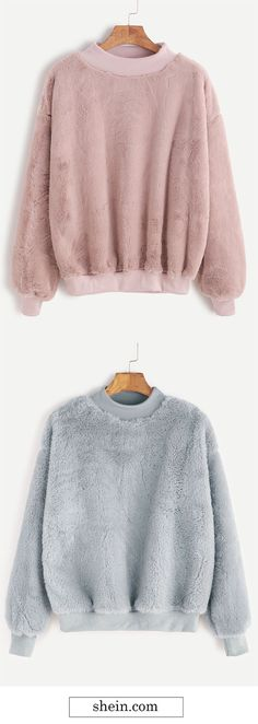 Ribbed fluffy sweatshirt COLLECT. Women, Men and Kids Outfit Ideas on our website at 7ootd.com #ootd #7ootd
