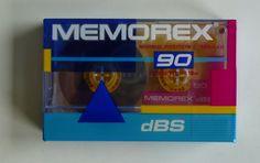1 audio compact cassette / MEMOREX dBS 90 / 1 Audiokassette / Leerkassette