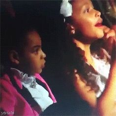 Blue Ivy when Beyoncé won Best Urban Contemporary Album at the Grammy Awards February 2017 Beyonce World, Beyonce And Jay Z, Beyonce Coachella, Blue Ivy Carter, Carter Kids, Cute Family, Beyonce Knowles, My Black Is Beautiful, Queen B