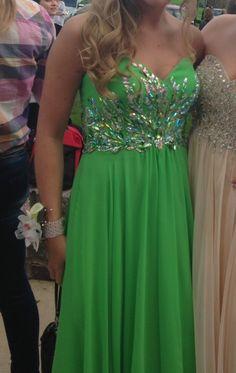 Apple Green Sweetheart Chiffon Dress - size 6 $80.00 at www.closetrent.com