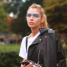 Blue shadow spotted at Chanel Paris Fashion Week