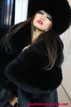 Soft Shinny Black Fox Fur Glamour... www.fetishmistressuk.com
